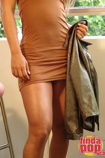 Milena Guzman Striptease Foto 22