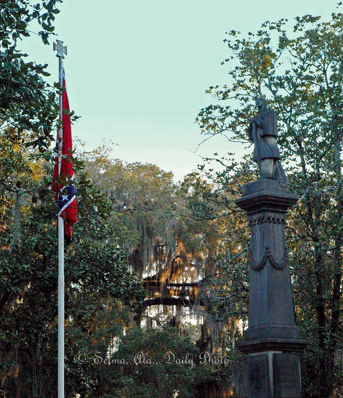 https://lh3.ggpht.com/--4uHdlMkWyw/TbWRkZ2-u4I/AAAAAAAAK4Y/MRXLqssKFFU/s1600/Confederate+Memorial+Day+for+web.jpg