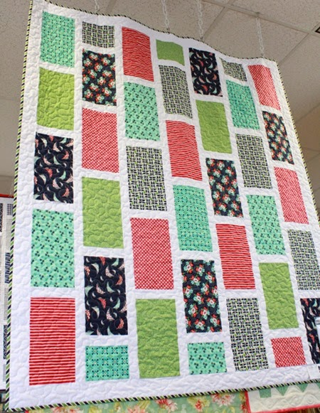Running Offset quilt pattern display