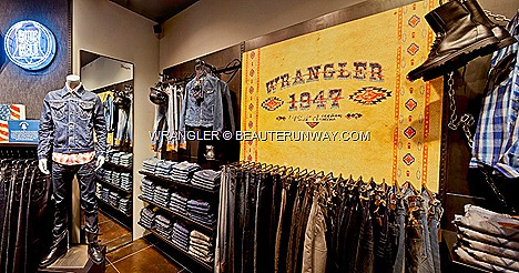 WRANGLER Denims Women Mens Jeans ION ORCHARD SINGAPORE LASER DENIMS 3D-CUT DENIMS  COLOUR WEFT EVOLUTION