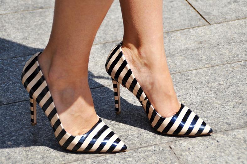 scarpe a righe