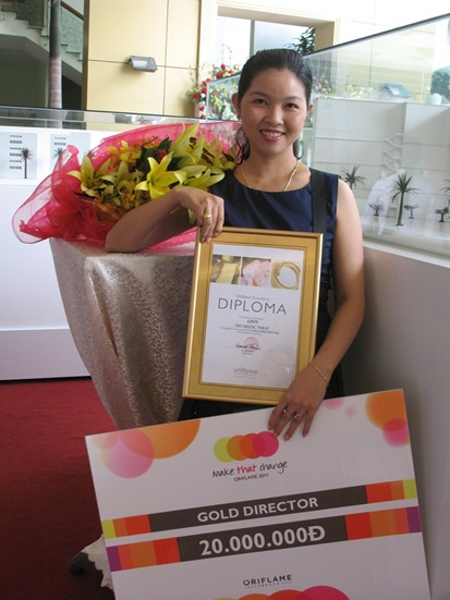 Thuy Nhan Gold Director 18