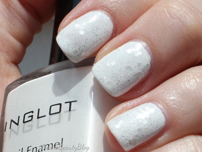 desire beauty blog notd pure white silver glitter. Black Bedroom Furniture Sets. Home Design Ideas