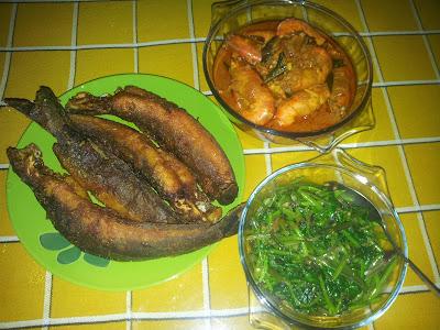 ZULFAZA LOVES COOKING: Kari udang air kelapa, kangkung goreng belacan ...