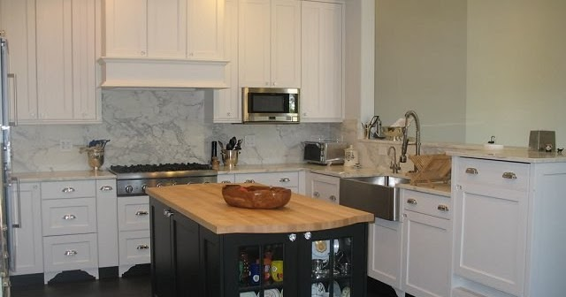 Finished kitchens blog rmkitchen 39 s kitchen for Catalyzed lacquer kitchen cabinets