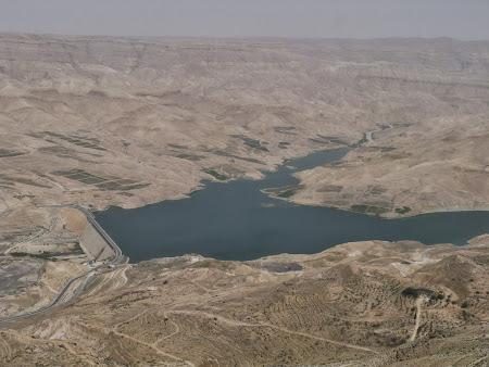 Obiective turistice Iordania: Baraj in desert