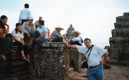 Obiective turistice Cambogia: la apus de soare Angkor Wat