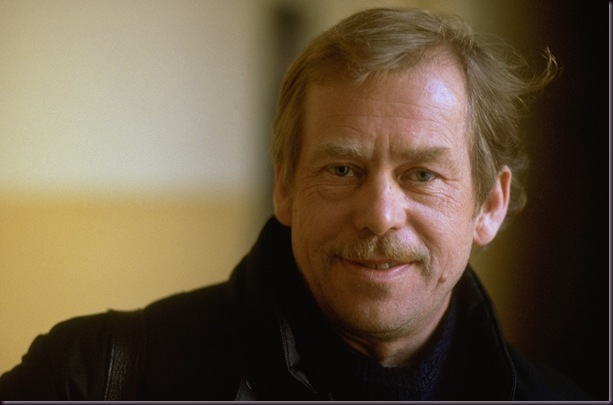 Vaclav-Havel-Smiling
