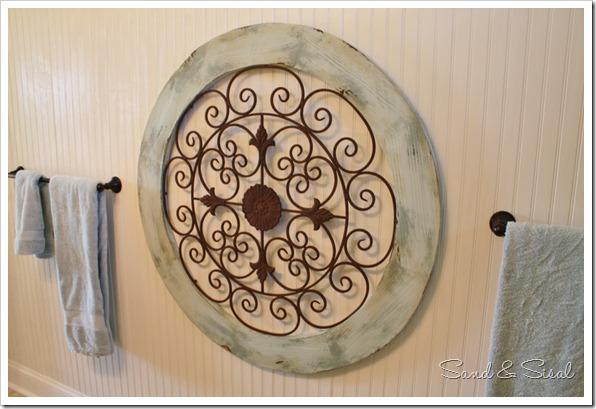 Garden medallion on bead board wall (1024x683)