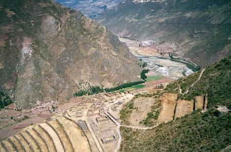 11. Valea Urubamba.jpg