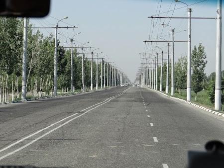 03. Linia de troleibuz Urgench - Khiva.JPG