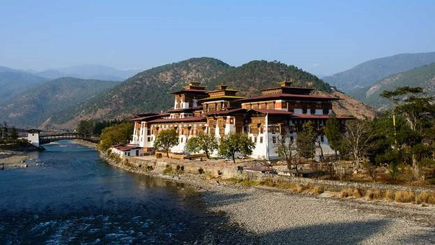 lets-travel-to-bhutan-with-rodolfo-contreras-featured