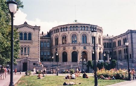 Obiective turistice Oslo: Parlamentul Norvegiei