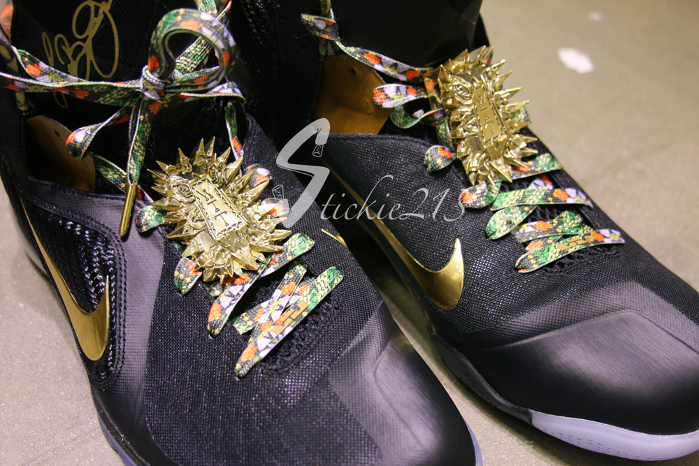 4d1242c39d5 ... Detailed Look at LeBron James8217 8220Watch the Throne8221 PE ...