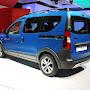 2014-Dacia-Dokker-Stepway-03.jpg
