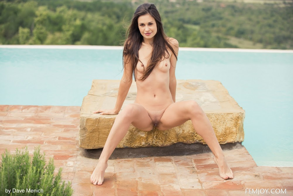 [FemJoy] Edessa G - Be My Pool Boy femjoy 10270