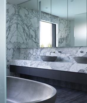 baño-piedra-marmol