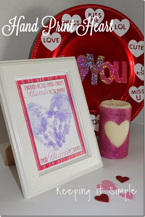 Valentine's-Day-Handprint-Heart #freeprintable