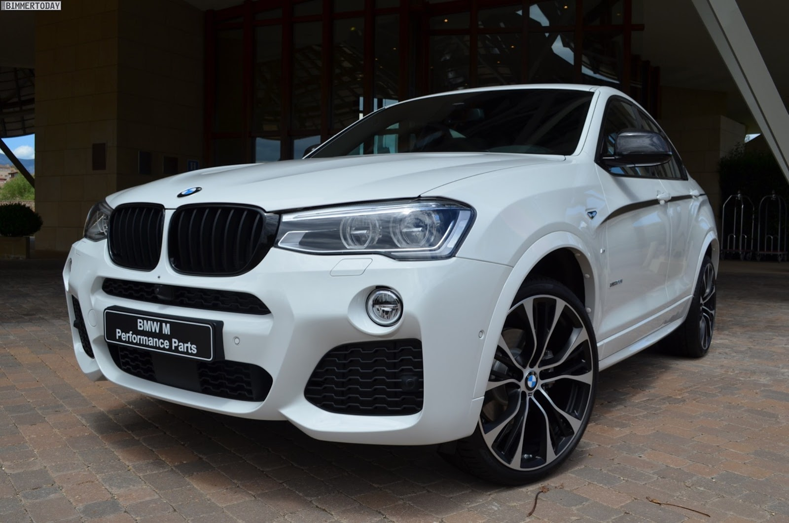 first photos of new bmw x4 m performance parts and x4 accessories bmw x4 forum. Black Bedroom Furniture Sets. Home Design Ideas