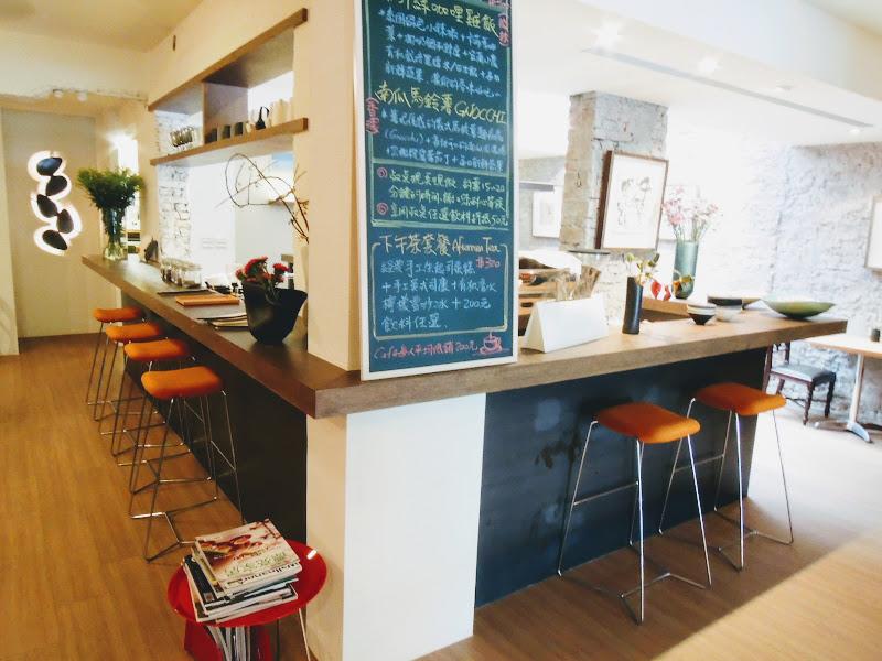 3,co Café 吧檯.jpg
