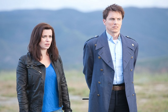 Eve Myles is Gwen Cooper and John Barrowman is Captain Jack Harkness in Torchwood Miracle Day Immortal Sins (4)