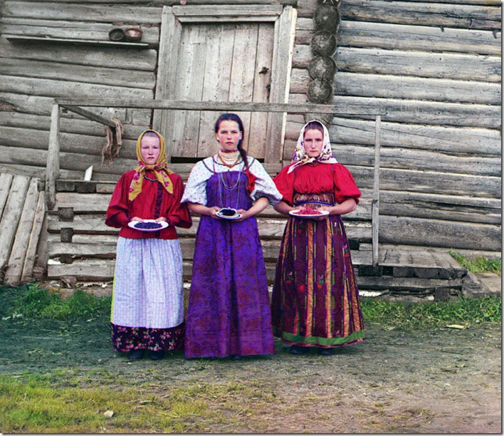 Peasant-Girls-1909