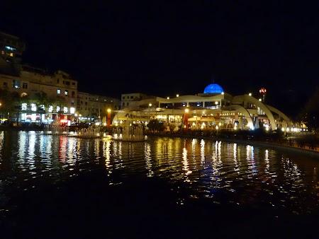 Obiective turistice Albania: Mall Tirana