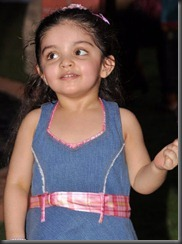 ajith_shalini_daughter_anoushka_latest_photos
