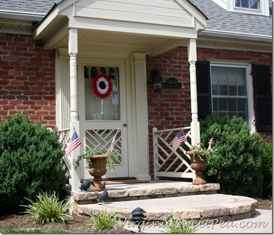 Patriotic Wreath - Use an old or broken tennis racket to make a tennis racket wreath.