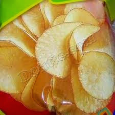 makanan ringan keripik singkong