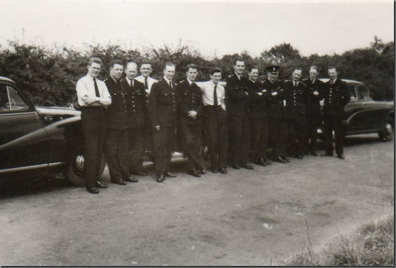 Advanced course. Instructors from the right Athol Burnham, Brian Leng, Ted Barber, ?, Jock Murphy Cars, Austin?, Year?