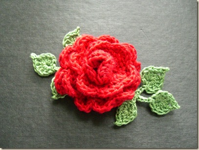Crocheted Rose corsage with 6 leaves