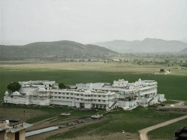 قصر «تاج» العائم في أودايبور lake-palace-7%5B6%