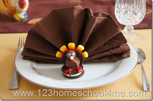Thanksgiving Place Setting Idea - cute for kids!