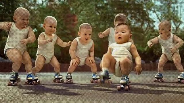 Bebes patinadores.jpg