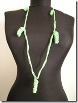 crochet necklace 06