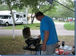 8642 Niagara Falls - KOA - Bill making supper on BBQ