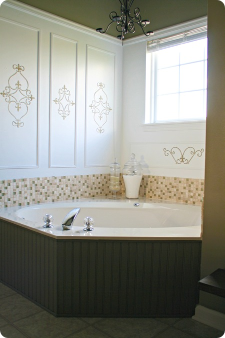 beadboard tub surround