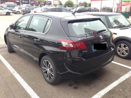2014-Peugeot-308-5.jpg