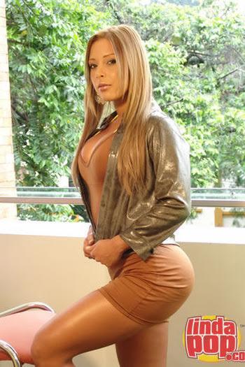 Milena Guzman Striptease Foto 13