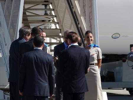 Fly Dubai la Bucuresti: strangeri de mana la Otopeni