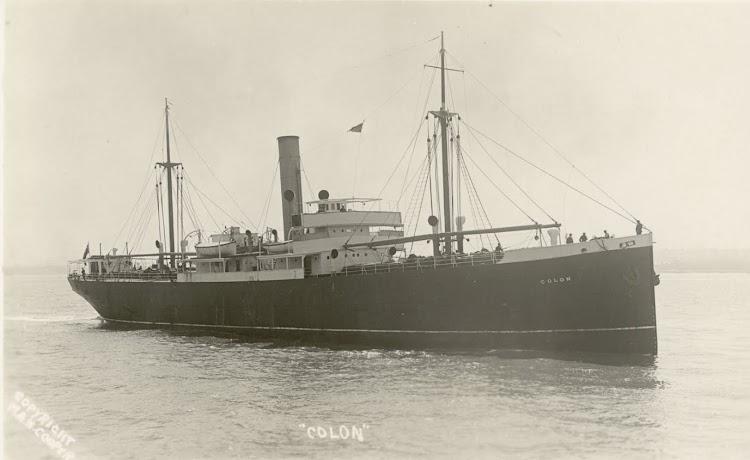 Bonita foto del COLON en navegación.Foto de la STATE LIBRARY OF NEW SOUTH WALES.jpg