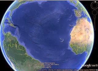 трещина (континентальный тектонический разлом) в Атлантическом океане