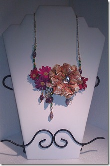 Steph Flower Necklace