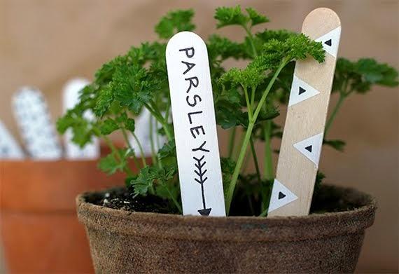 DIY_garden_markers.jpg