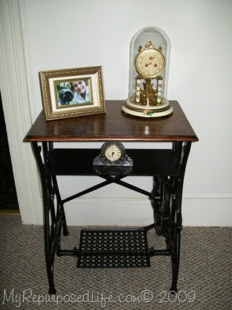 Repurposed singer sewing machine sewing machine drawers into a table watchthetrailerfo