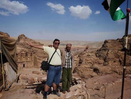 cu un beduin la Petra