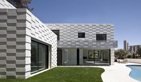 casa-contemporanea-fachadas-blancas