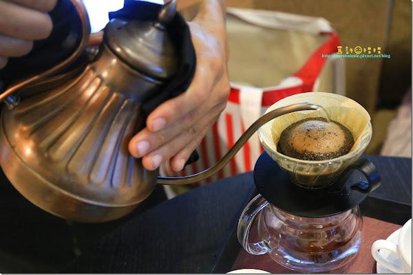 等一個人咖啡 最高品質的咖啡與服務~湛盧 Zhanlu Coffee (寵物友善)