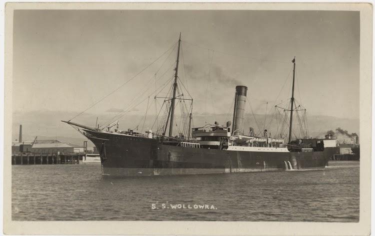 Vapor WOLLOWRA, despues IBERIA, en Australia, en fecha indeterminada. Foto Mitchell Library, State Library of New South Wales. De la web Trove.jpg